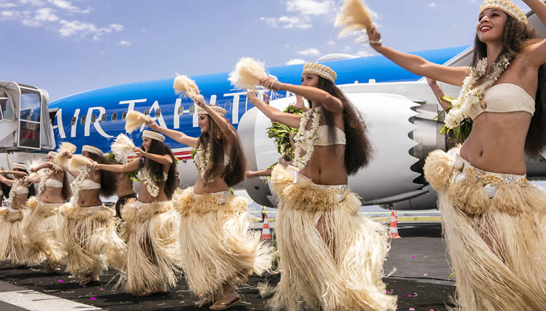Air Tahiti Nui female dancers